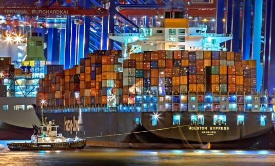 hamburg haven vrachtschip
